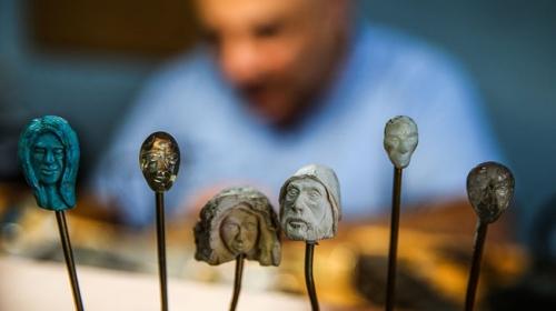Sadekar ustası mücevherleri tasarımlarıyla ölümsüzleştiriyor