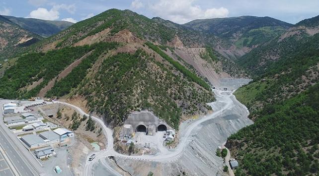 Zigana Tünelinin 2021 yılında hizmete girmesi planlanıyor