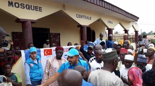 Türkiye Diyanet Vakfından Kamerunda kurban yardımı