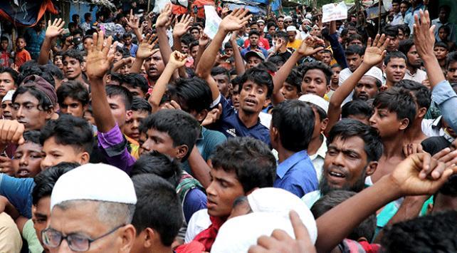 """Rohingyalı Müslümanlar """"adalet"""" için yürüdü"""