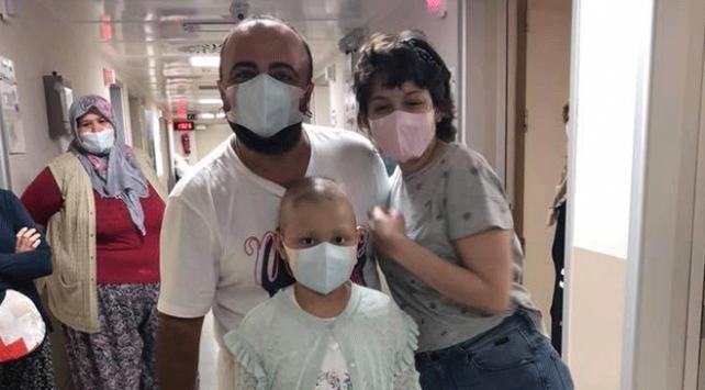 Tatillerini yarıda kesip kan bağışı yaptılar