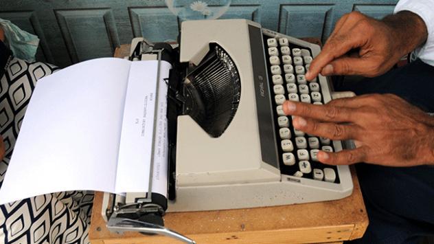 Teknolojiye direnen meslek: Arzuhalcilik
