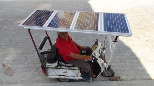 Japonlardan esinlendi, güneş panelli bisiklet icat etti