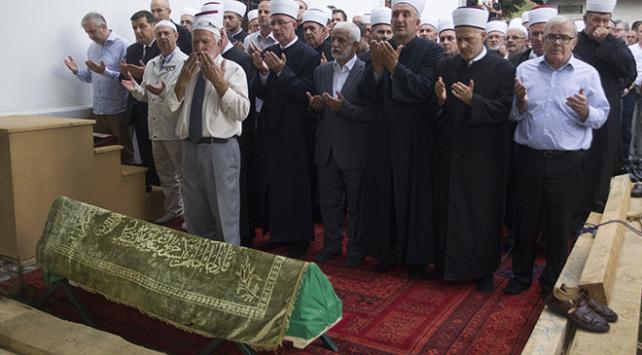 """Bosnalı """"gazi imam"""" son yolculuğuna uğurlandı"""