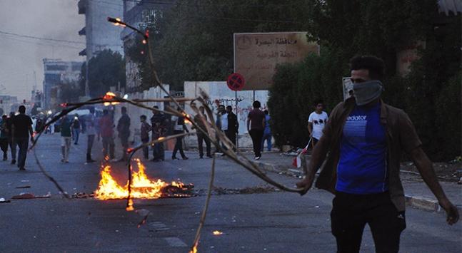 Basrada gösteriler devam ediyor