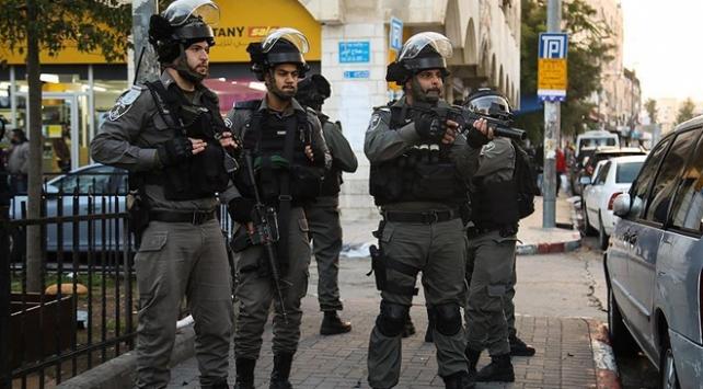 İsrail askerleri Batı Şeriada bir Filistinliyi şehit etti