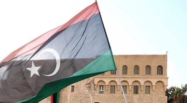 Libya parlamentosunda anayasa referandumu oturumu ertelendi