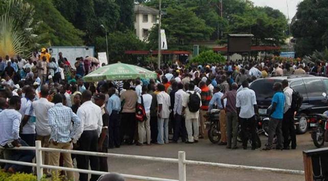 Nijerde grev eğitimi durdurdu