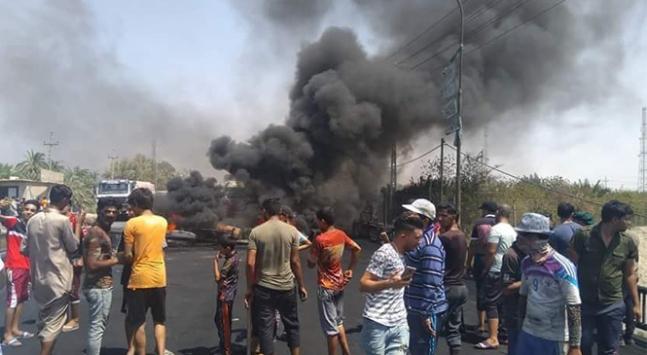 Irakın Basra kentinde protestocular yeniden sokağa çıktı