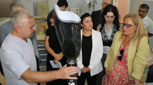 TİKAdan Gürcü engellilere protez makineleri desteği