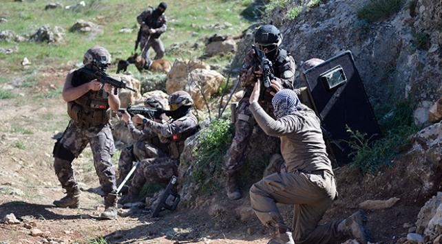 Mehmetçik Tuncelide teröristlere nefes aldırmıyor