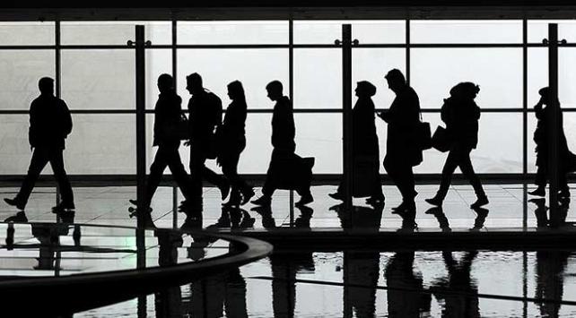 İstanbul ve Antalyanın hava yolcusu Türkiye nüfusunu geçti