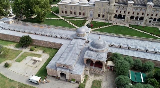 Selimiye Arastası her sabah esnafın bereket duasıyla açılıyor