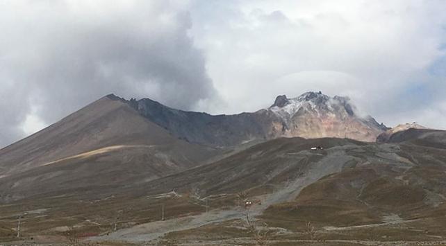 Erciyes Dağına ilk kar düştü