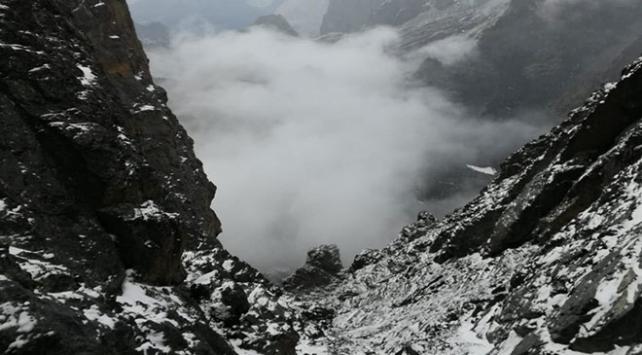 Kaçkar Dağlarına mevsimin ilk karı yağdı