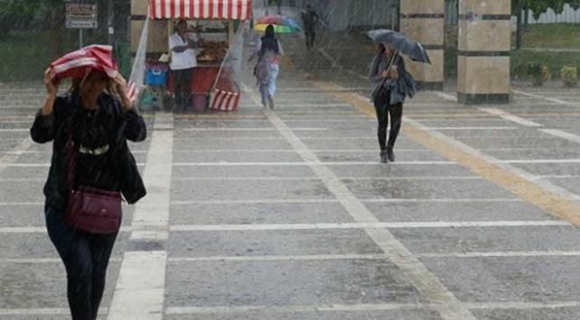 Marmarada öğleden sonra sağanak bekleniyor