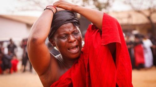 Ganalı kadınlar cenazelerde ağlayarak para kazanıyor