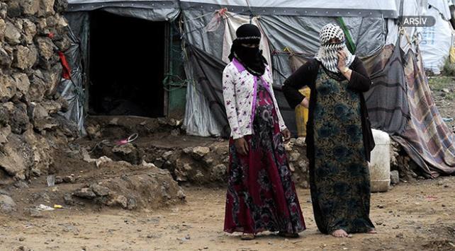 Yemenli anneler kaçırılan çocukları için gösteri düzenledi