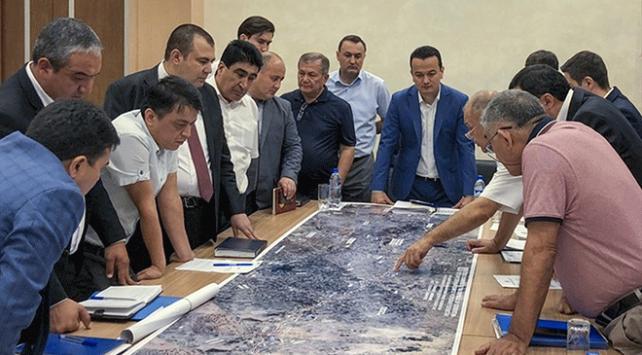 Özbekistanın ilk ücretli otoban projesi Türk şirketine emanet