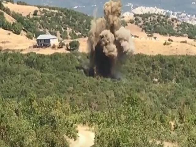 Tuncelide terör operasyonu: 2 sığınak imha edildi