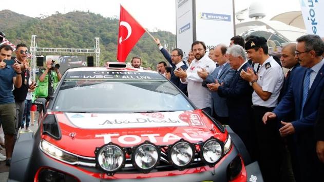 Bakan Kasapoğlu, WRC Türkiye Rallisinin seremoni startını verdi