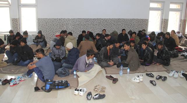 Vanda 118 göçmen yakalandı