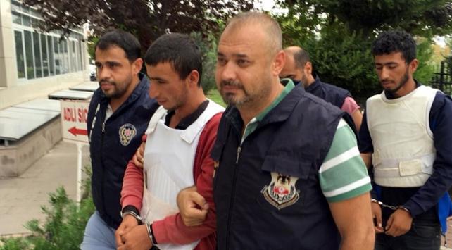 YPG/PKK üyesi kardeşler tarlada yakalandı