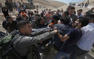 İsrailin Filistinlilere yönelik ihlalleri