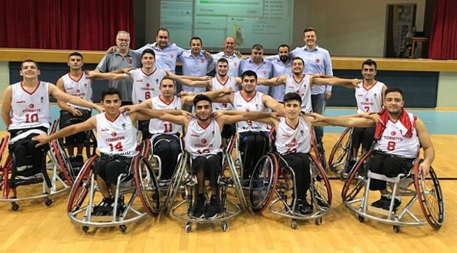 Bakan Kasapoğlundan Avrupa şampiyonu basketbolculara kutlama