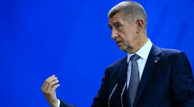 """Çekya Başbakanı Babişe """"Suriyeli yetim"""" tepkisi"""