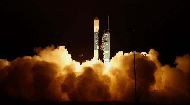 NASA, 1 milyar dolarlık buzul inceleme uydusu fırlattı