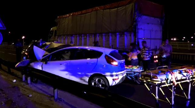 İzmirde trafik kazası: 1 ölü, 4 yaralı
