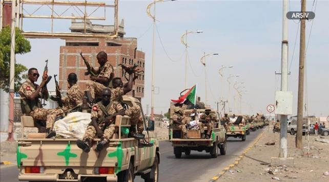 """Koalisyon güçleri Hudeydede """"geniş çaplı operasyon"""" başlattı"""