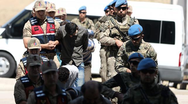 Suriyede yakalanan 9 YPG/PKKlı terörist tutuklandı