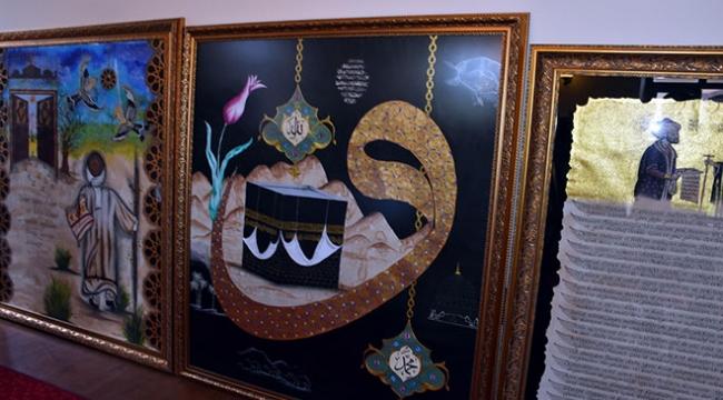 Topkapı Sarayındaki kutsal emanetlerin tablolarını yapıyor