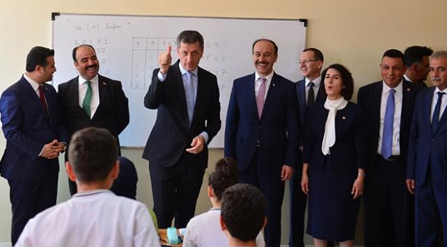 Milli Eğitim Bakanı Selçuk: Ani sistem değişikliği artık yok