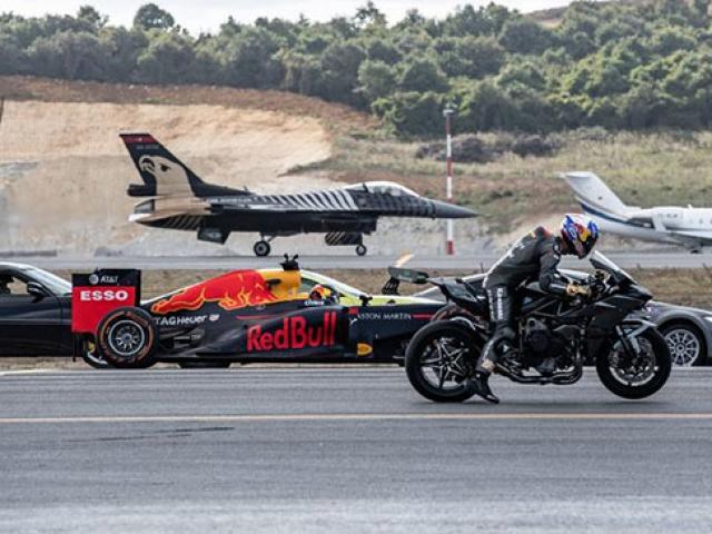 Kenan Sofuoğlu F-16 uçağıyla yarıştı