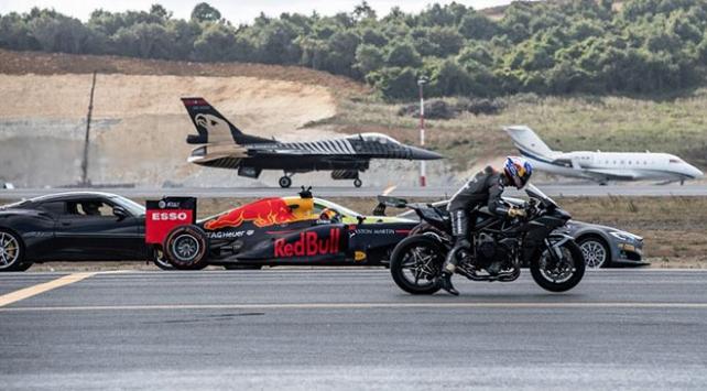 Kenan Sofuoğlu F16 uçağıyla yarıştı