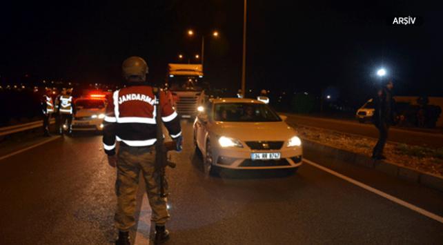 Jandarma ekiplerine ateş açan kişi etkisiz hale getirildi