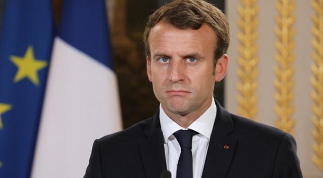 """""""Fransada Macrona destek yüzde 29a düştü"""""""