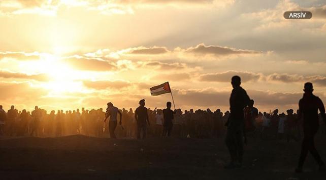İsrail savaş uçaklarından Filistinli göstericilere saldırı: 9 yaralı