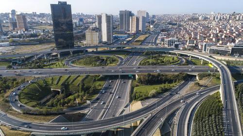 İstanbulda araç sayısı arttı, trafik azaldı