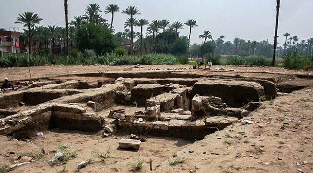 Kahirede 2 bin yıllık tarihi kalıntı bulundu