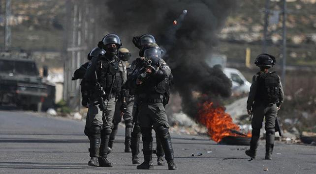 İsrailden Gazze sınırındaki gösterilere müdahale: 2 yaralı