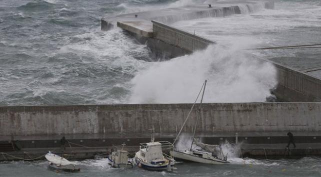 Meteoroloji Akdenizde nadir görülen tropik fırtına için uyarıyor