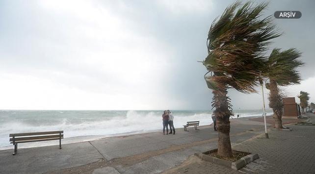 Meteoroloji tropik fırtınanın neden olabileceği tehlikeleri saydı