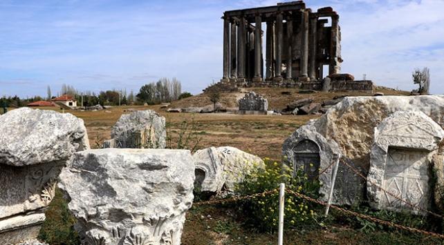Zeus Tapınağında Çavdar Türklerine ait 400 figür bulunuyor