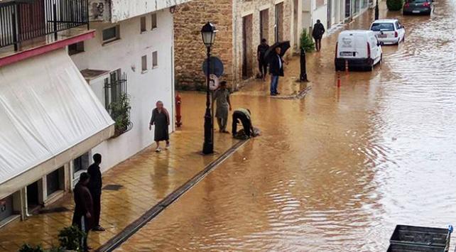 """Yunanistan tropik fırtına """"Zorba"""" ile mücadele ediyor"""