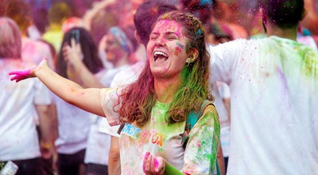 "Bursada ""renkli koşu"" festivali"