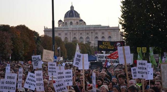 Avusturyada hükümet karşıtı gösteri